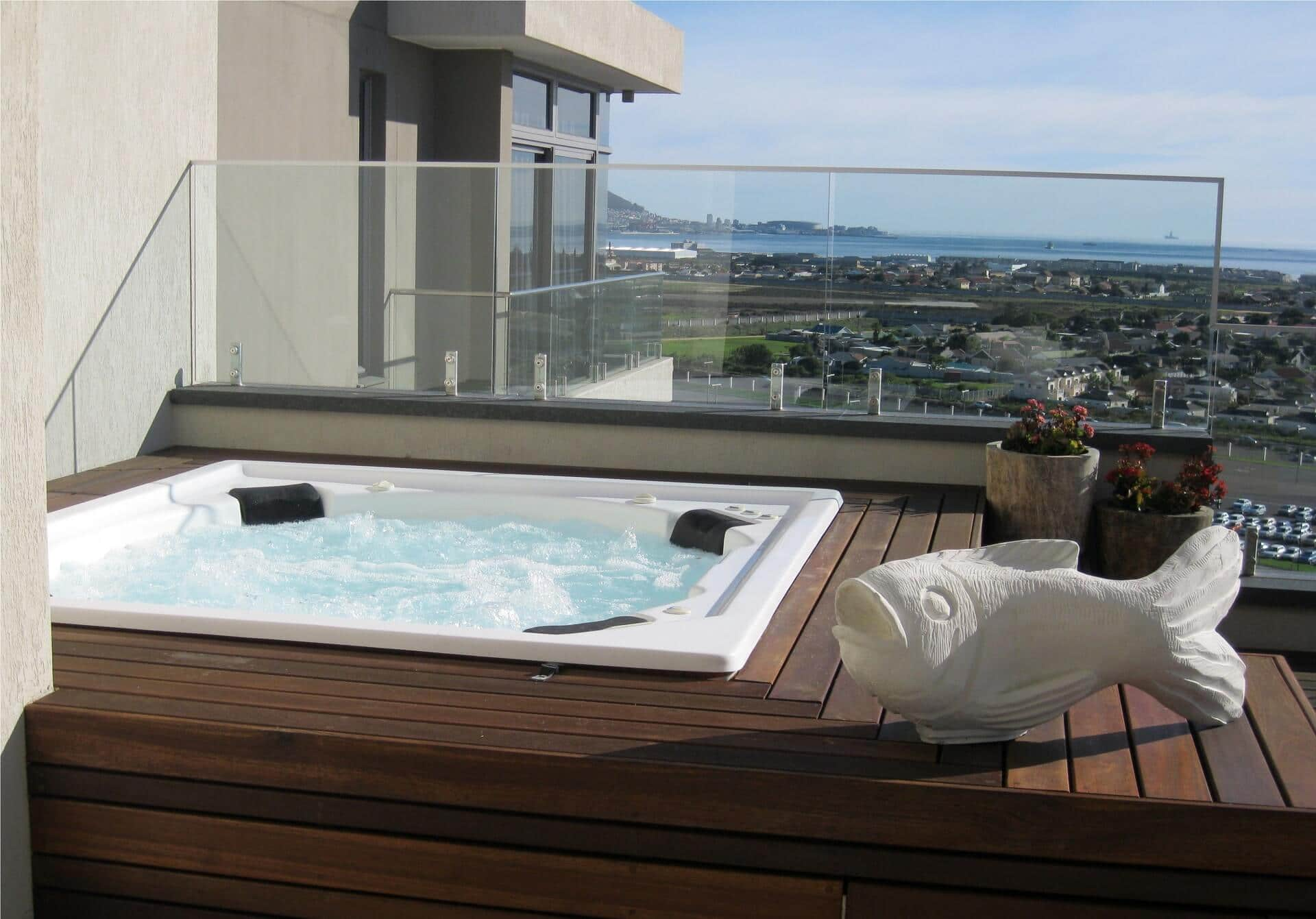 crystal towers hotel jacuzzi